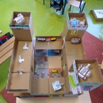 Construction d'un château fort avec une classe de CP de Nanterre